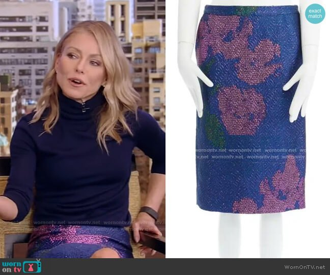 Metallic Floral Skirt by Dries van Noten worn by Kelly Ripa  on Live with Kelly & Ryan
