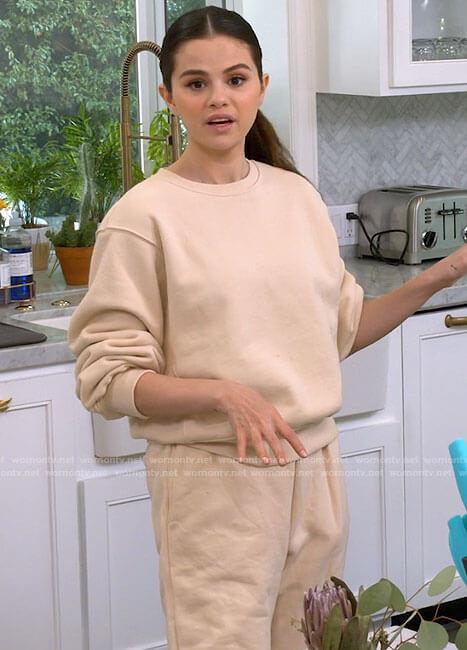 Selena's beige sweatshirt on Selena + Chef