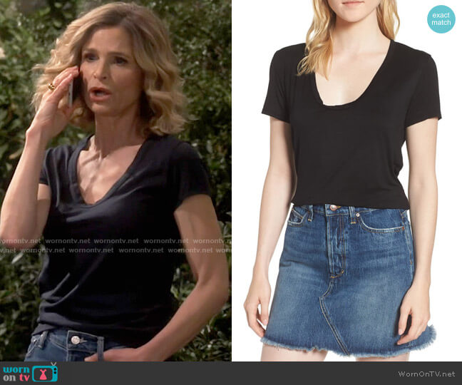 Splendid Scoop Neck Tee worn by Jean Raines (Kyra Sedgwick) on Call Your Mother