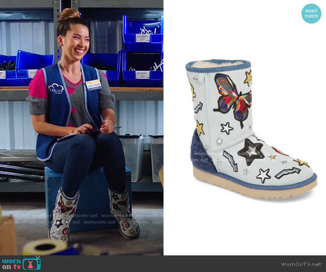 Patch It Classic Short Boot with Genuine Shearling Trim by Ugg worn by Cheyenne (Nichole Bloom) on Superstore