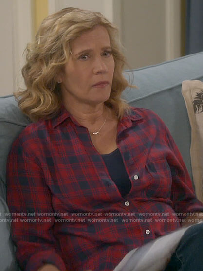 Vanessa's red and navy plaid shirt on Last Man Standing
