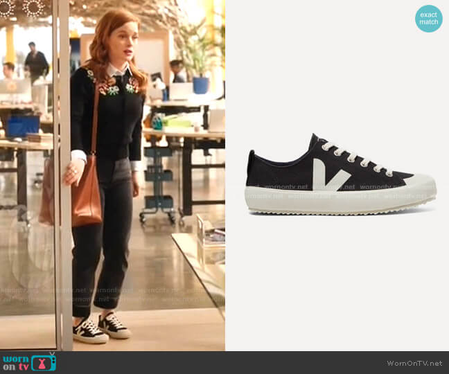 Nova organic cotton-canvas sneakers by Veja worn by Zoey Clarke (Jane Levy) on Zoeys Extraordinary Playlist