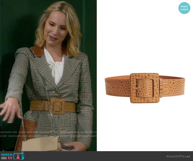 Veronica Beard Corin Belt worn by Mandy Baxter (Molly McCook) on Last Man Standing