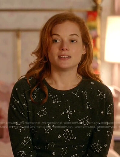 Zoey's grey constellation print pajamas on Zoeys Extraordinary Playlist