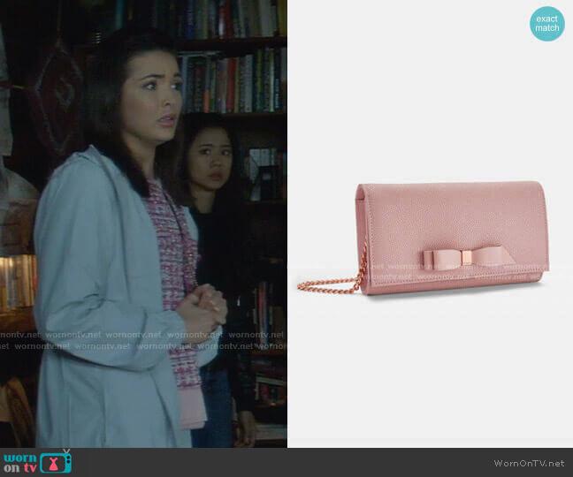 Alaine Shoulder Bag by Ted Baker worn by Bess (Maddison Jaizani) on Nancy Drew