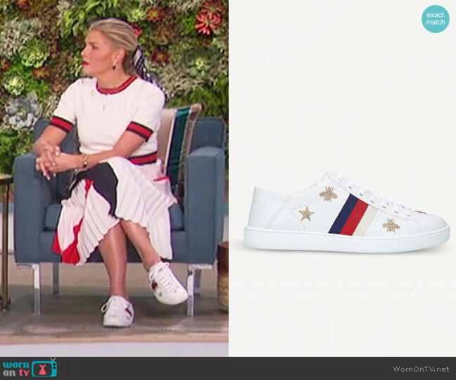 Ace sneaker with bees and stars by Gucci worn by Amanda Kloots  on The Talk