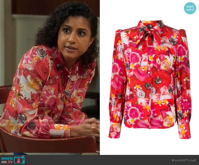 Marc Jacobs Tie neck floral print silk blouse worn by Mikaela Shaw (Vella Lovell) on Mr Mayor
