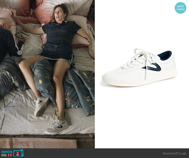 Nylite Plus Lace Up Sneakers by Tretorn worn by Delia (Michaela Watkins) on The Unicorn