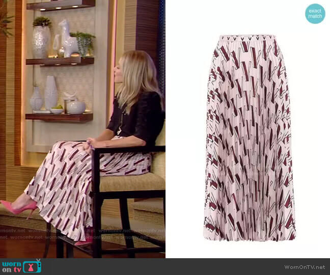 V-print pleated skirt by Valentino worn by Kelly Ripa  on Live with Kelly & Ryan