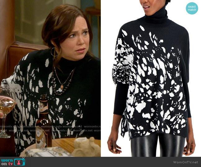Alfani Printed Drop-Shoulder Turtleneck Sweater worn by Kristin Baxter (Amanda Fuller) on Last Man Standing