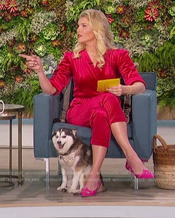 Amanda's pink embellished pumps on The Talk
