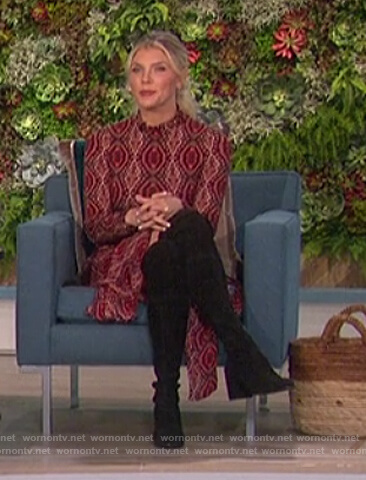 Amanda's red printed turtleneck dress on The Talk