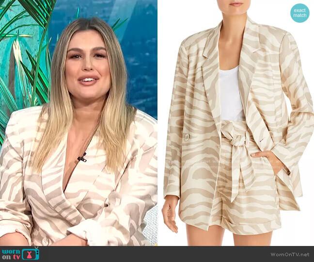 Kaia Blazer by Anine Bing worn by Carissa Loethen Culiner  on E! News