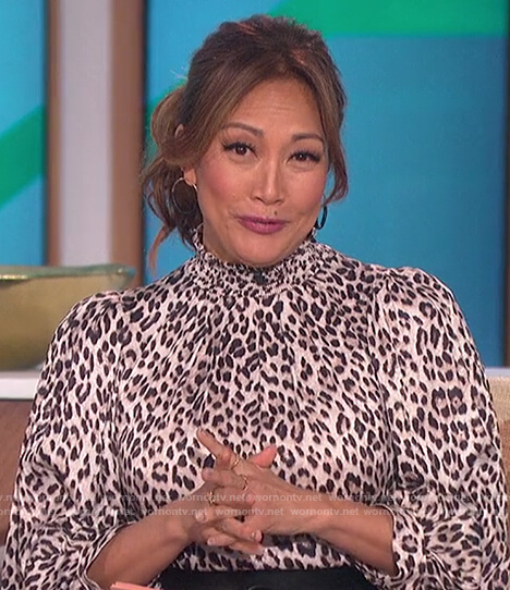 Carrie's leopard print puff sleeve dress on The Talk