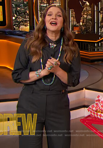 Drew's black shirt and pants on The Drew Barrymore Show