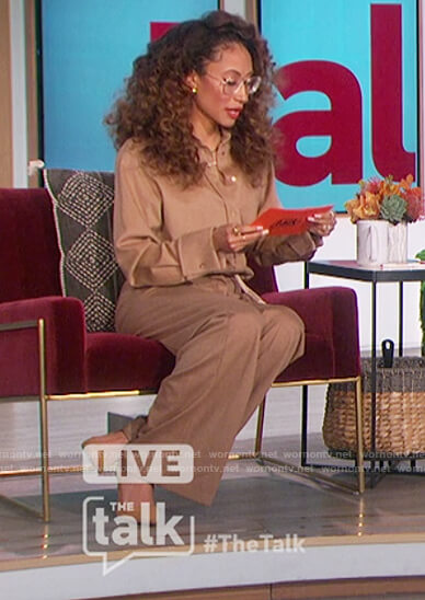 Elaine's beige blouse and pants on The Talk