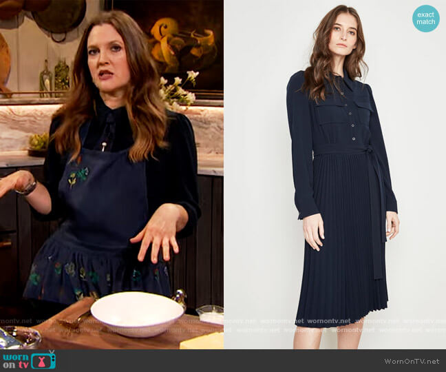 Ere Pleated Dress by Elie Tahari worn by Drew Barrymore  on The Drew Barrymore Show