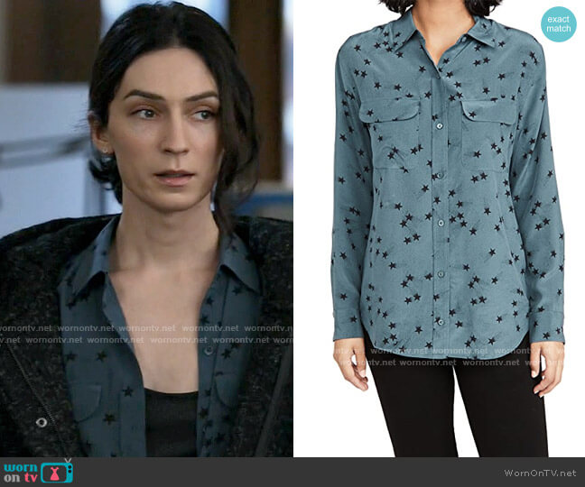 Equipment Orion Blue/True Black Signature Button Down Top worn by Jerrie Kennedy (Jesse James Keitel) on Big Sky