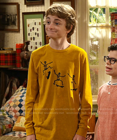 Finn's yellow skeleton and skateboard print tee on Bunkd