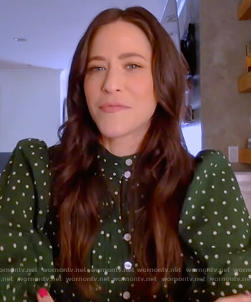 Jackie Tohn's green polka dot puff sleeve blouse on The Kelly Clarkson Show