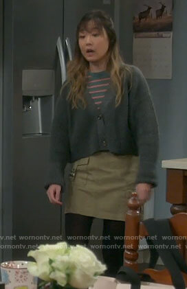 Jen's green cargo skirt on Last Man Standing