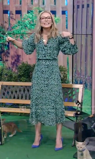 Kelly's green printed dress on Live with Kelly and Ryan