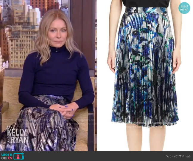 Lame Pleated Skirt by Christopher Kane worn by Kelly Ripa  on Live with Kelly & Ryan