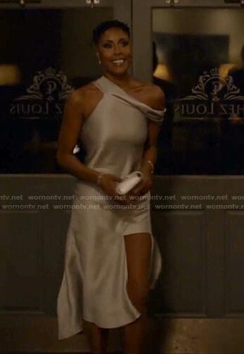 Lyn's asymmetric satin dress on Black Lightning