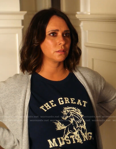 Maddie's The Great Mustang print tee on 9-1-1