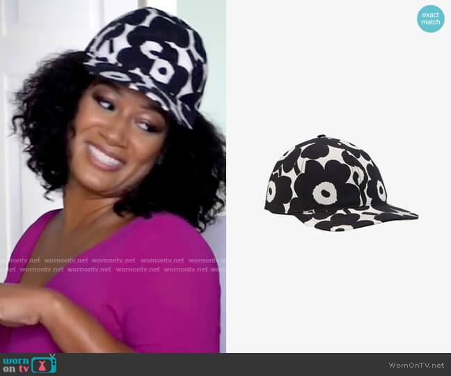 Marimekko Halko Mini Unikko Cap worn by Fatima (Crystal Hayslett) on Tyler Perrys Sistas