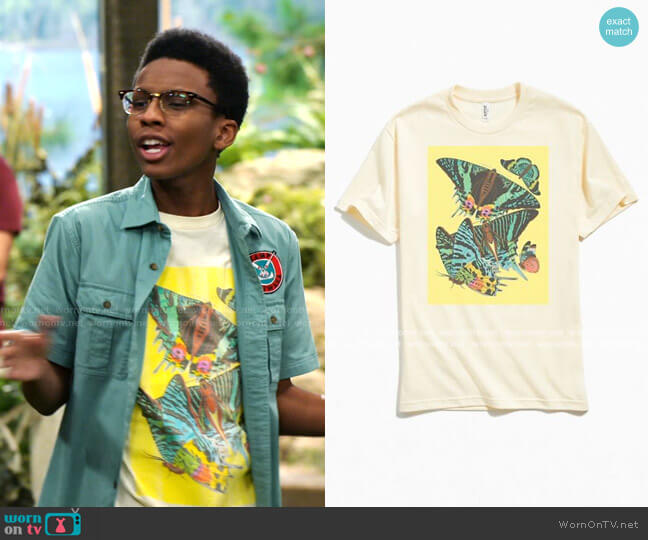 Graphic Tee by Urban Outfitters worn by Noah Lambert (Israel Johnson) on Bunkd