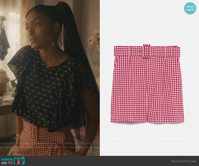 Gingham Shorts by Zara worn by Zoey Johnson (Yara Shahidi) on Grown-ish