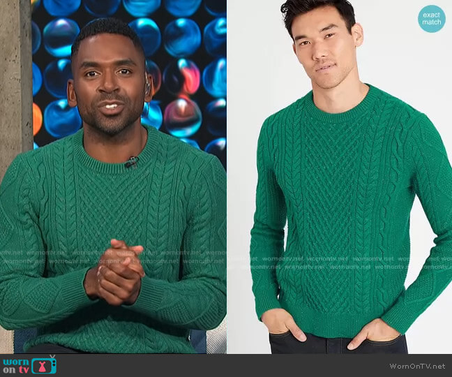 Cable-Knit Sweater by Banana Republic worn by Justin Sylvester  on E! News