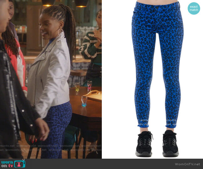 Blue And Black Leopard Denim Skinny Jeans by J Brand worn by Skylar Forster (Halle Bailey) on Grown-ish