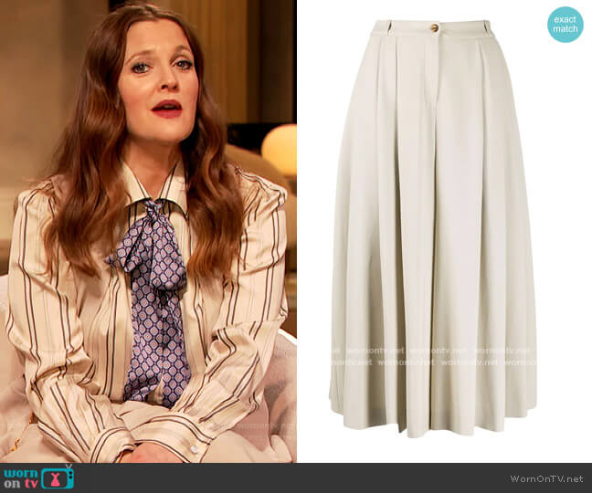 Pleated High Waisted Culottes by Michael Kors worn by Drew Barrymore  on The Drew Barrymore Show