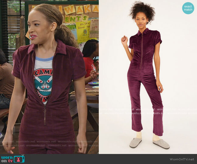 Clark Corduroy Zip-Front Coverall by Urban Outfitters worn by Ava (Shelby Simmons) on Bunkd