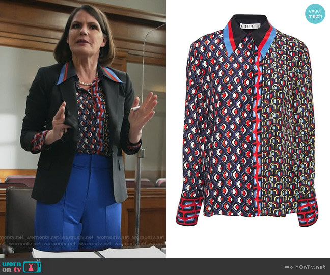 Willa printed silk crepe de chine shirt by Alice + Olivia worn by Maggie Palmer (Suzanne Cryer) on All Rise