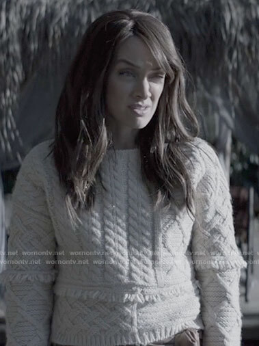 Alice's mixed cable knit sweater with fringe on Batwoman