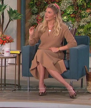 Amanda's brown sweater and skirt on The Talk