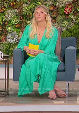 Amanda's green v-neck ruffled dress on The Talk