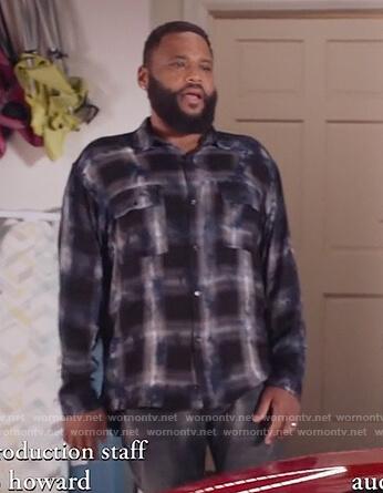 Andre's black plaid shirt on Black-ish