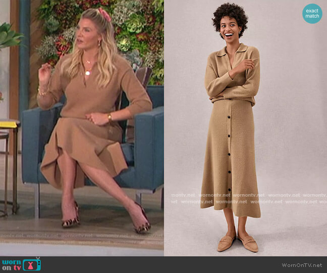 Collared V-Neck Sweater and Skirt by Ann Taylor worn by Amanda Kloots  on The Talk