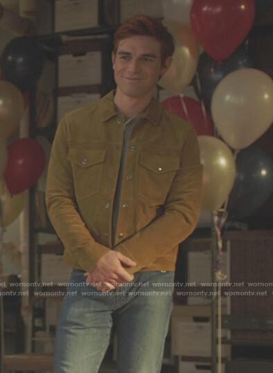 Toni's blue plaid blazer on Riverdale