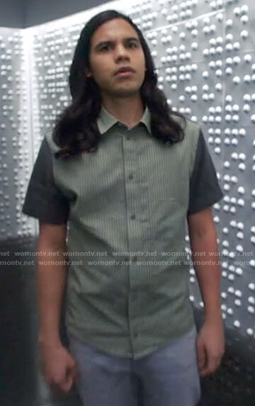 Cisco's green striped shirt with contrast sleeves on The Flash