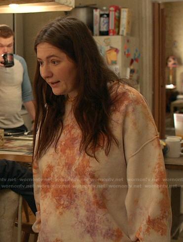 Debbie's tie dye oversized sweatshirt on Shameless