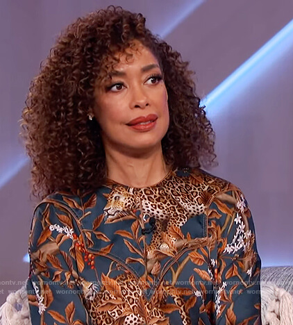 Gina Torres's ruffled tiger print dress on The Kelly Clarkson Show