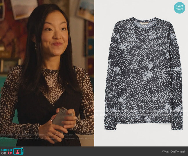 Patterned Mesh Top by H&M worn by Janet (Andrea Bang) on Kims Convenience
