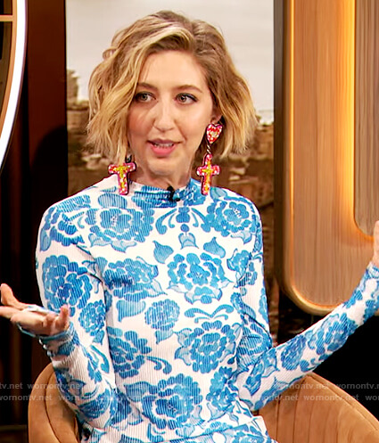 Heidi Gardner's blue floral dress on The Drew Barrymore Show
