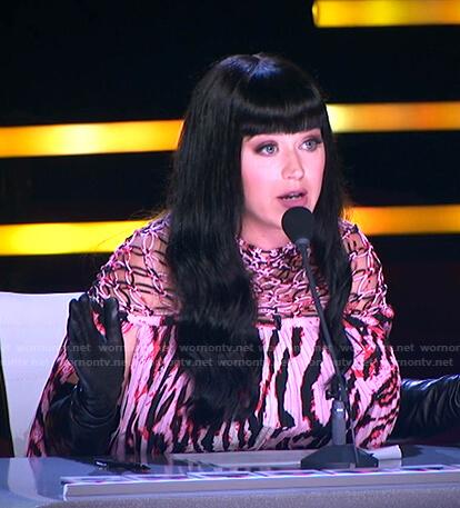 Katy's pink printed pleated dress on American Idol