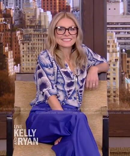 Kelly's blue fan print blouse and pants on Live with Kelly and Ryan